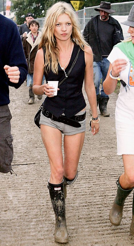 http://wardrobemag.files.wordpress.com/2010/06/kate-moss-glastonbury.jpg